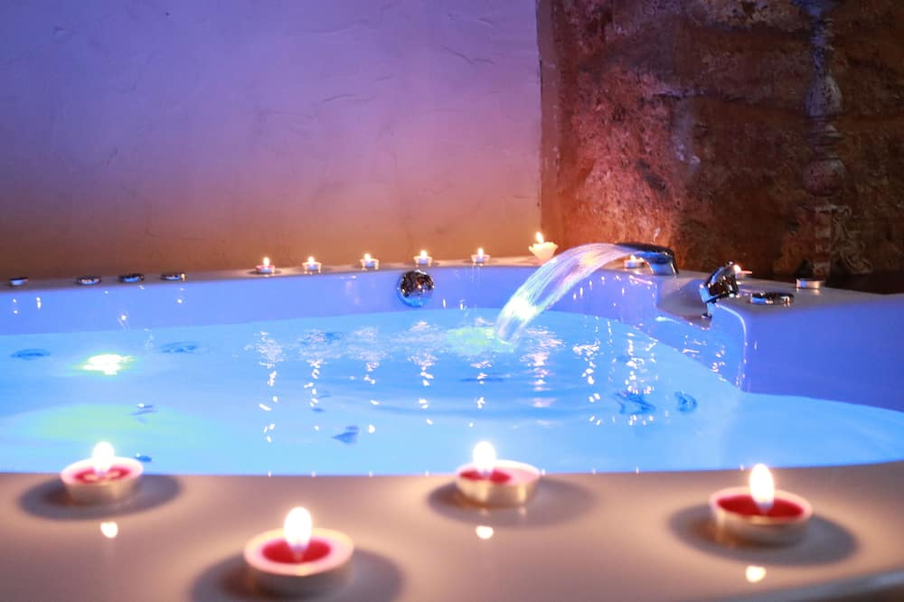 Suite Luxury, Letti multipli, idromassaggio - Vasca idromassaggio privata