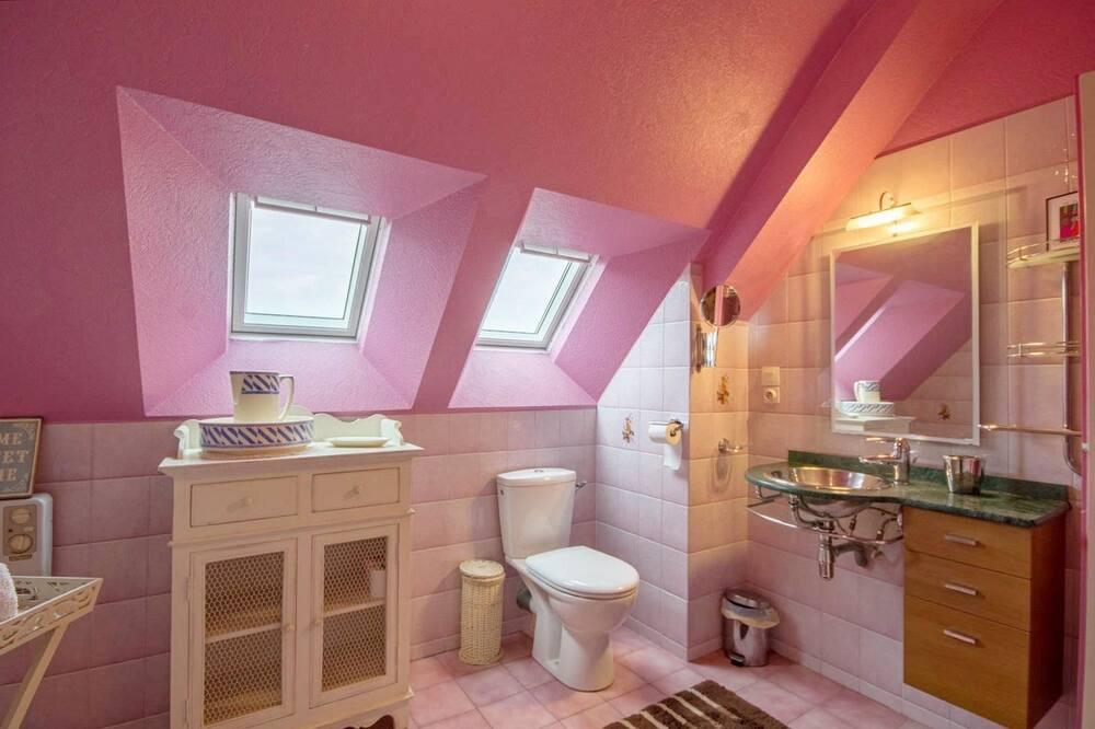 舒適客房 (Fisel) - 浴室