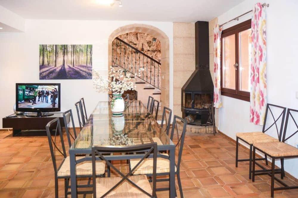 Familie villa, 5 slaapkamers, uitzicht op zwembad - Eetruimte in kamer