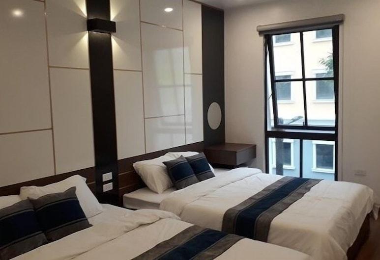 HALONG SUNBAY HOTEL, Ha Long, Superior Quadruple Room, Balcony