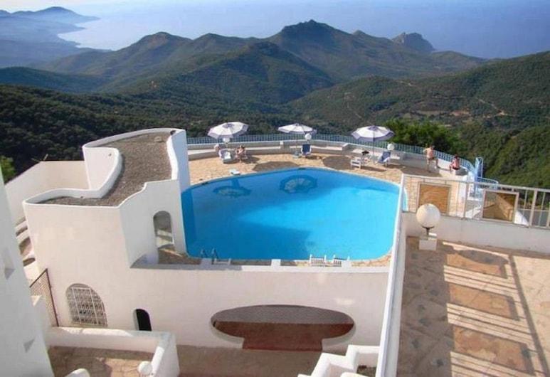 Hotel El Mountazah, Annaba, สระว่ายน้ำกลางแจ้ง