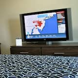 Suite, 2 Queen Beds - Television
