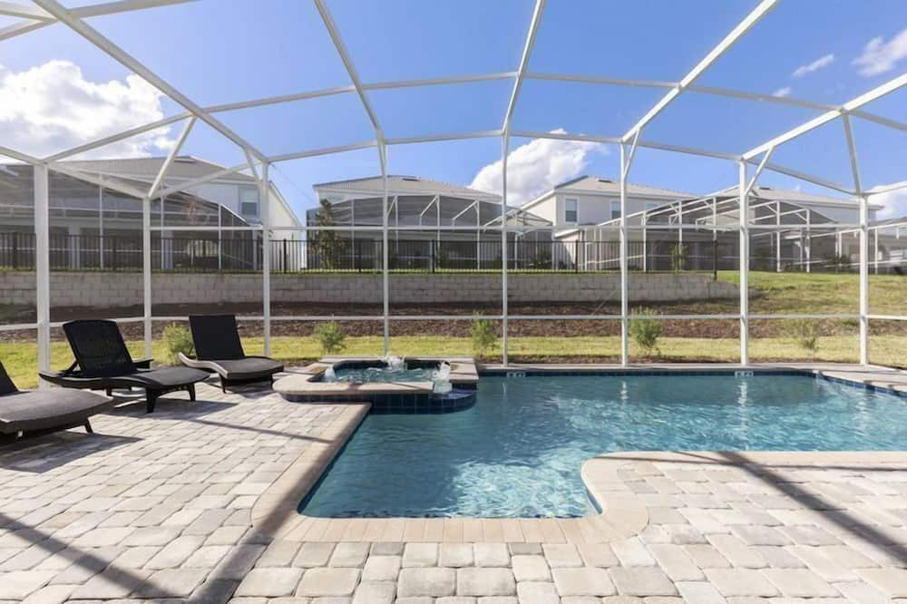 House - Indoor Pool