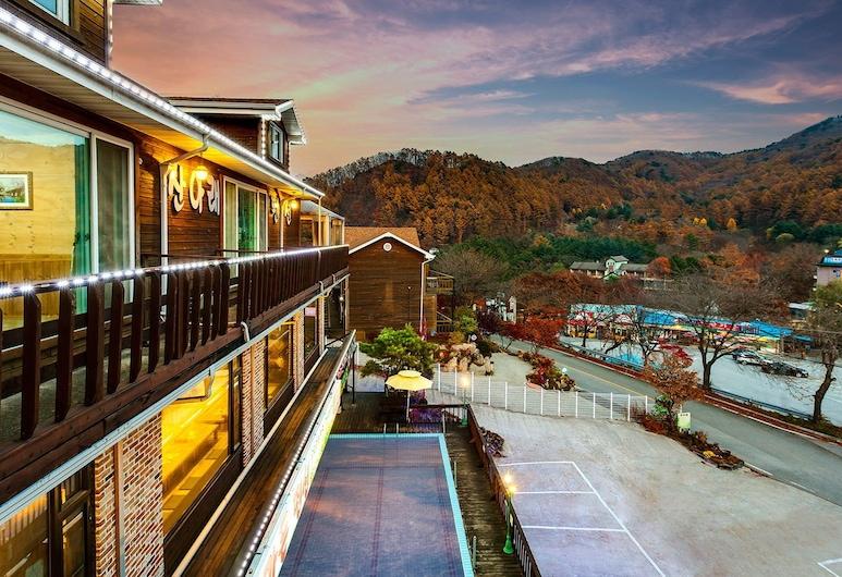 Gapyeong San Arae Spa Pension, Gapyeong, Terrasse/patio