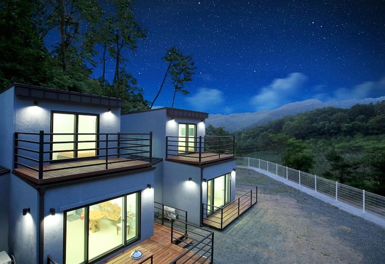 Hongcheon Stone Cube Spa Pension, Hongcheon, Hotel Front – Evening/Night