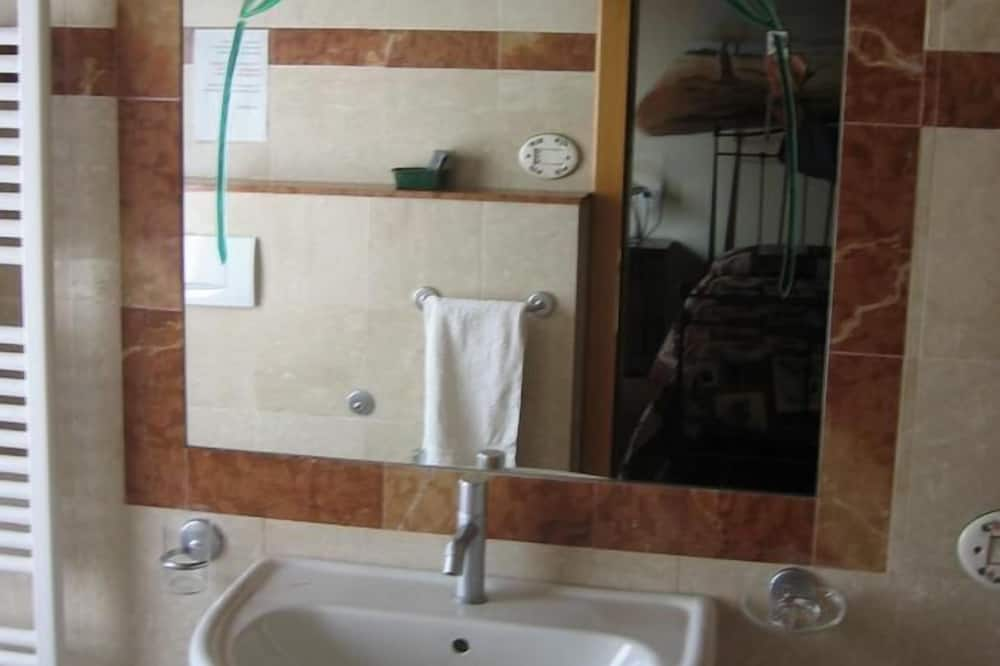 Kamar Double, pemandangan bukit - Kamar mandi