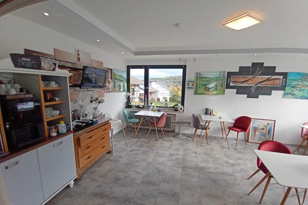 Panoramic Double or Twin Room, Balcony - Living Area