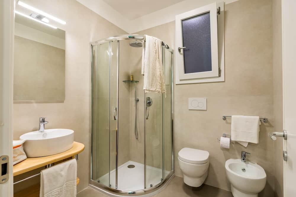 标准开放式客房 - 浴室