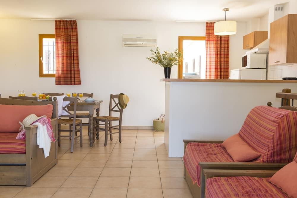 Apartemen (6/8 People) - Area Keluarga