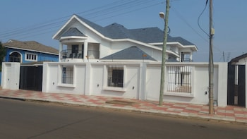 Picture of Modern House with 24 Hour Security in Accra