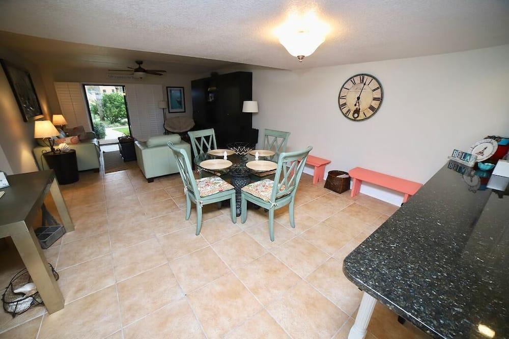 Condo, Multiple Beds (SEA HAVEN 411 [2/2] FREE ACTIVITIES! ) - Living Room