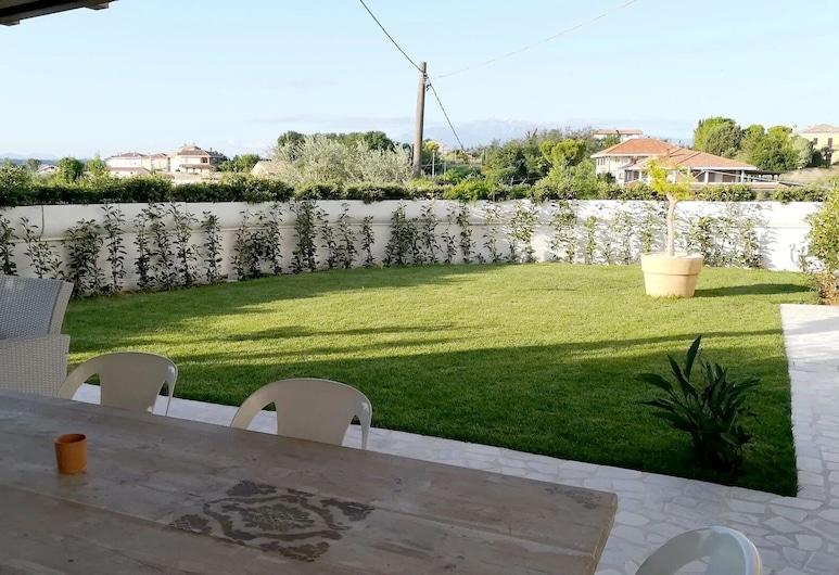 ヴヴーラ, フランカヴィラ アル マーレ, 庭園