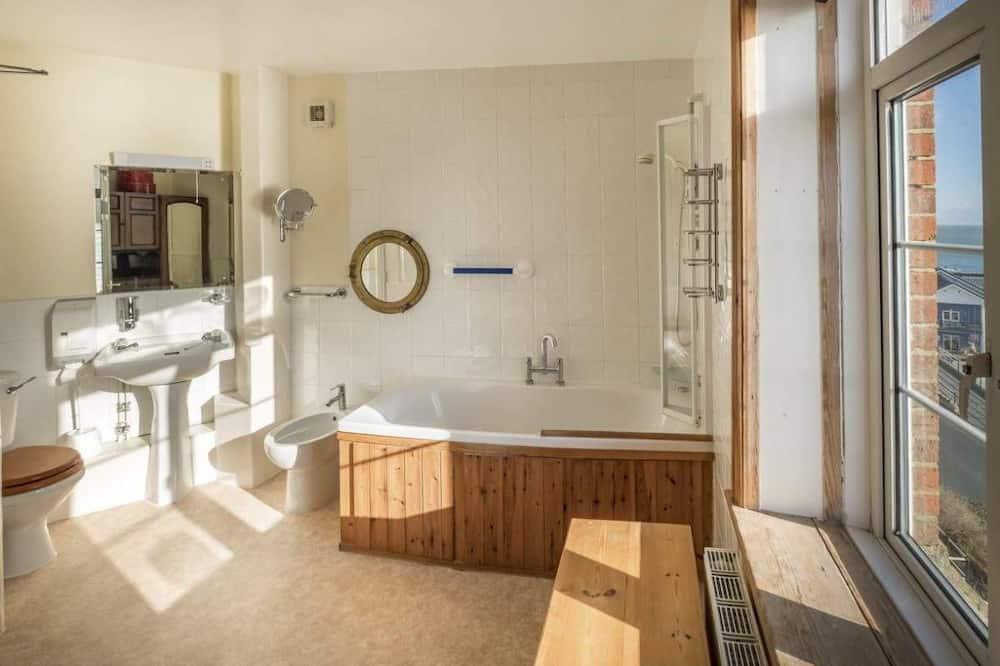 Pagerinto tipo dvivietis kambarys, vaizdas į jūrą (Room 6) - Vonios kambarys