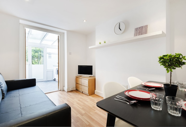 London New Apartment With Private Garden, London, Apartment, 1 Schlafzimmer, Wohnbereich