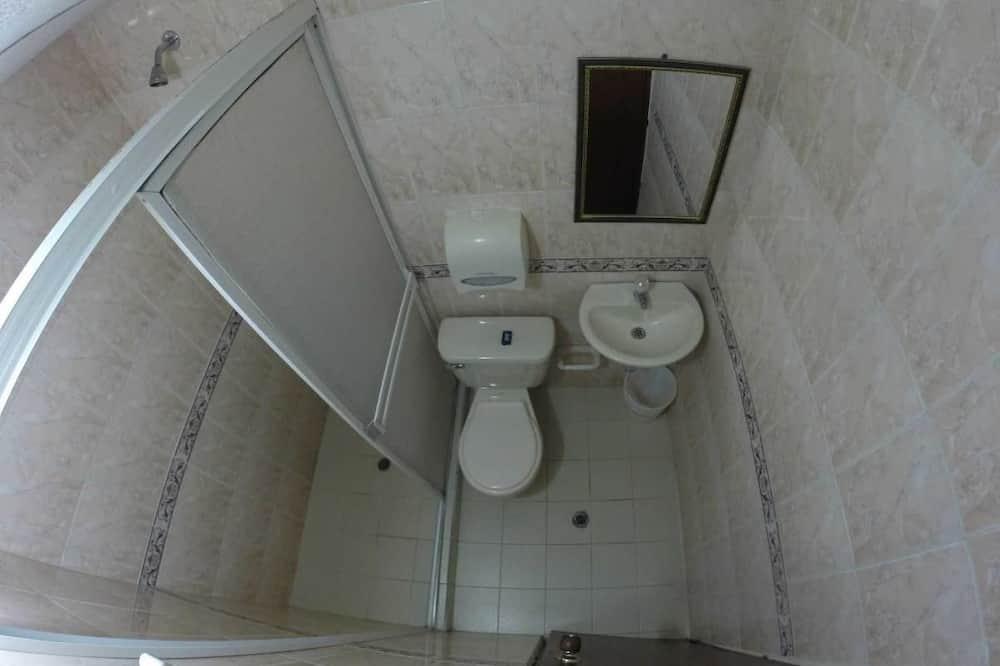 חדר סיניור - חדר רחצה