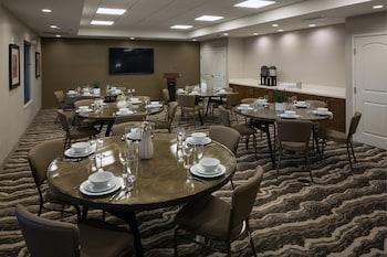 Picture of Staybridge Suites Phoenix - Biltmore Area in Phoenix