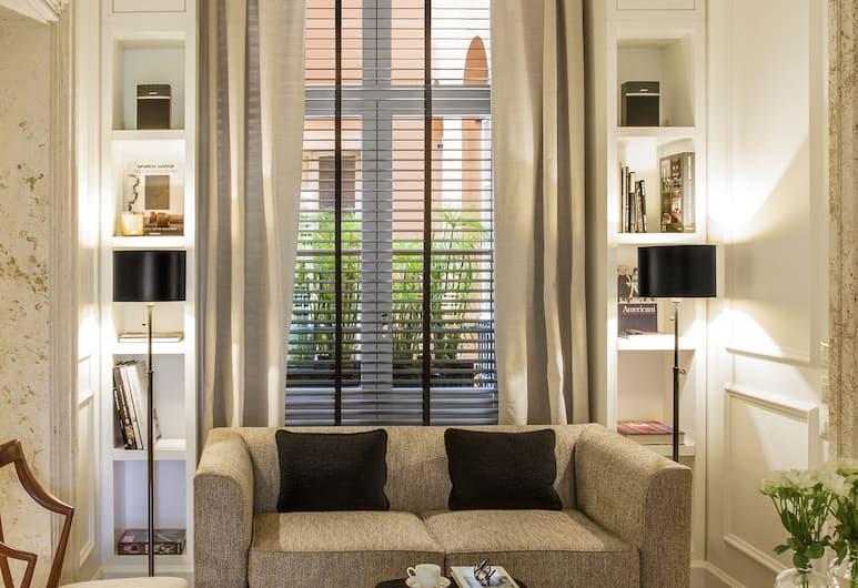 Residenza B, Rome, Reception