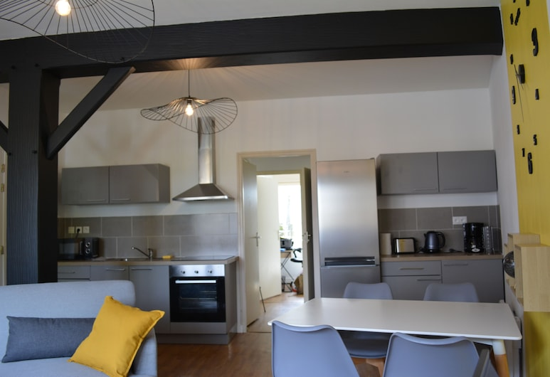 Cozy Apartment in Town in the Countryside, Langon, Oturma Odası