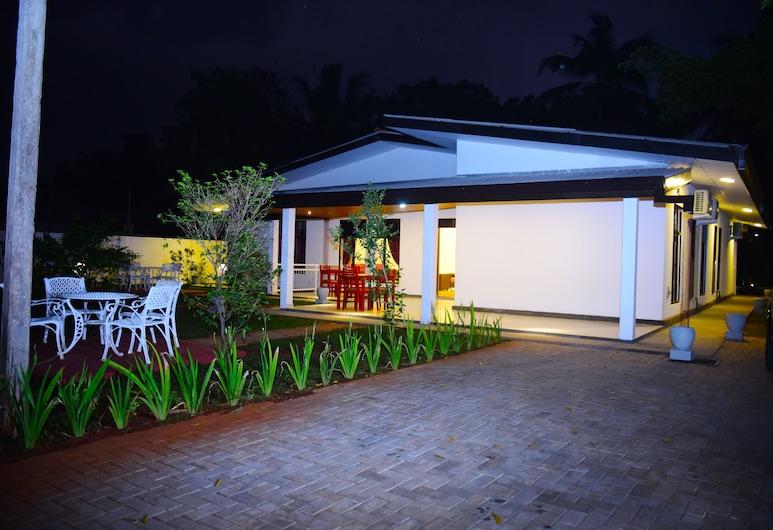 Tahala Transit Home, Anuradhapura, Exterior