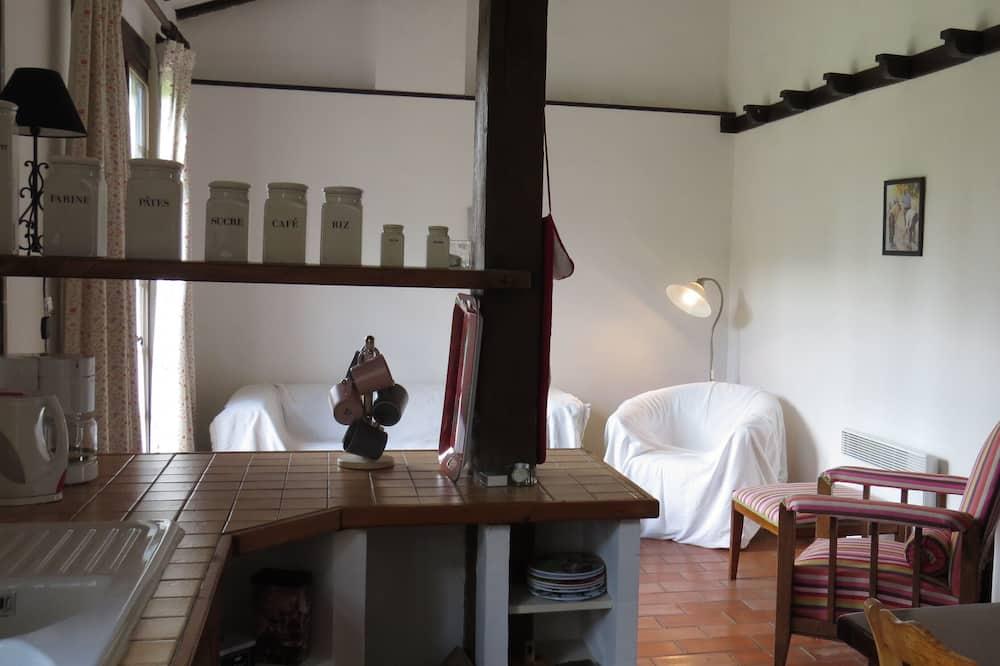 Family Cottage, Garden View (Minervois Gite) - Living Area