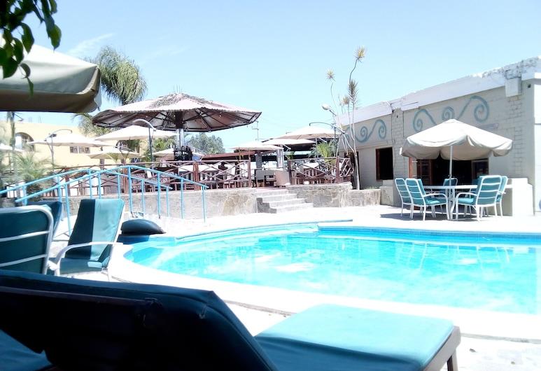 El Otro Sitio, Sunampe, Hồ bơi ngoài trời