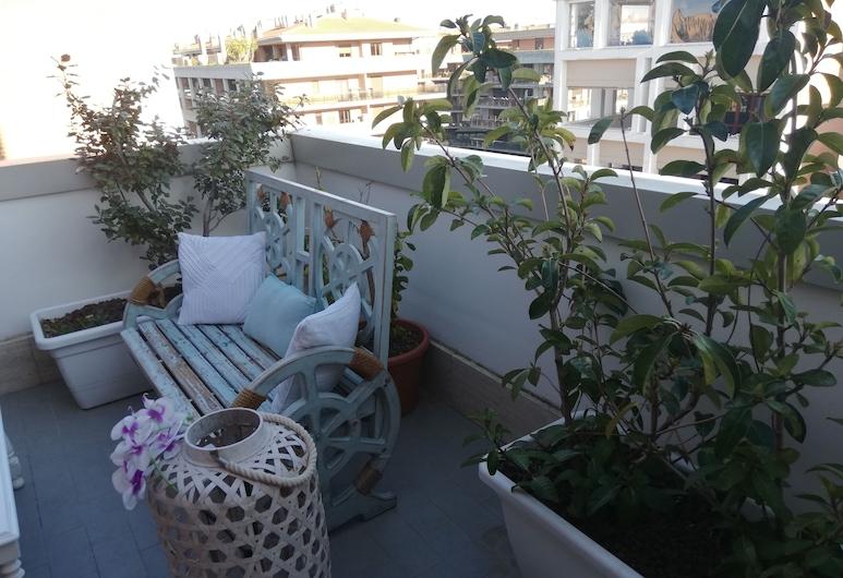 Airport & Fair Suite Apartments, Fiumicino, Terrace/Patio