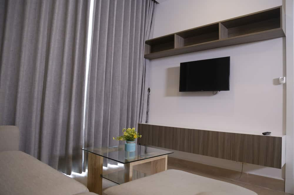 Superior Room, 1 Bedroom, City View - Living Area