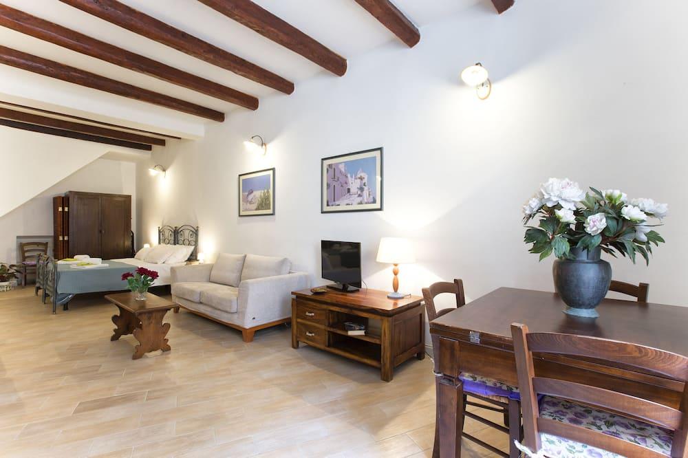 City Studio (CASA VERDE) - Living Area