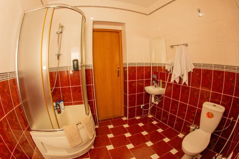 Premium Double or Twin Room, Shared Bathroom - Bathroom