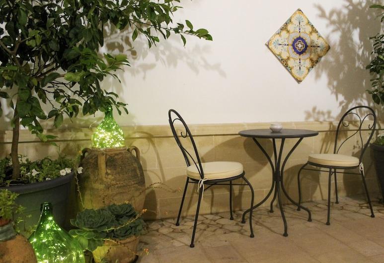 Dimora Le Tre Muse Bed & Breakfast, Lecce, Double Room, 1 Katil Ratu (Queen), Courtyard View (Elegance), Bahagian Luar