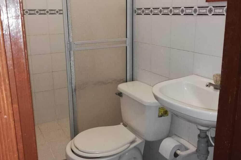 Phòng Tiêu chuẩn (external private bathroom) - Phòng tắm