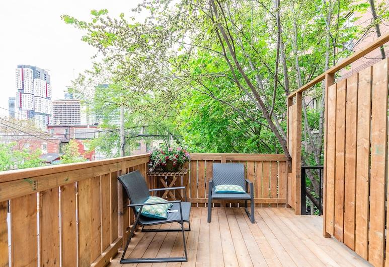 Chinatown Gem Guesthouse, Toronto, Single Room, Balcony, Garden View, Balcony