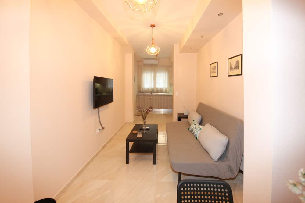 Apartment, 1 Bedroom (#8) - Living Room