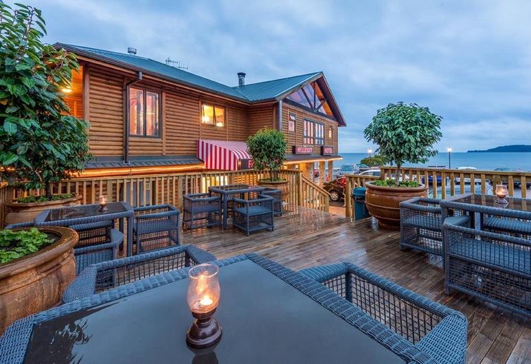 Lakefront Lodge Taupo, Taupo, Gårdsplass