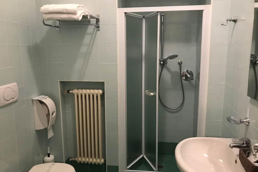 Phòng 3 Tiêu chuẩn - Phòng tắm