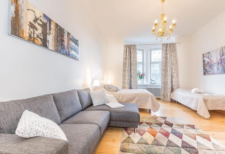 Go Happy Home Apartment Simonkatu 10 2, Helsinki