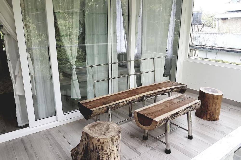 Designer White Room - Balcony