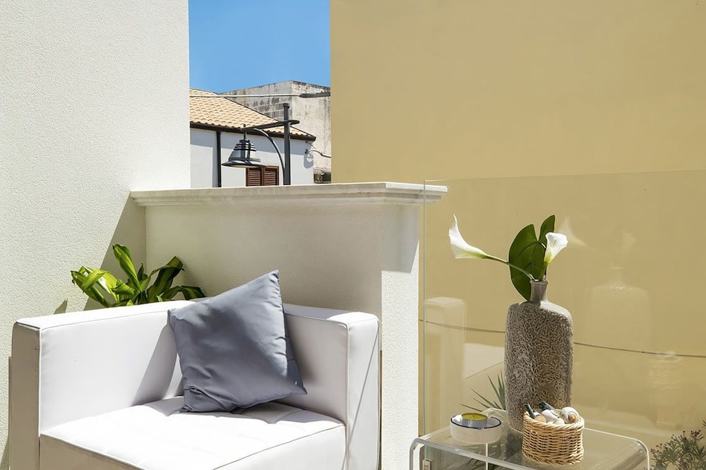 Kamar Double (Corallo) - Balkon