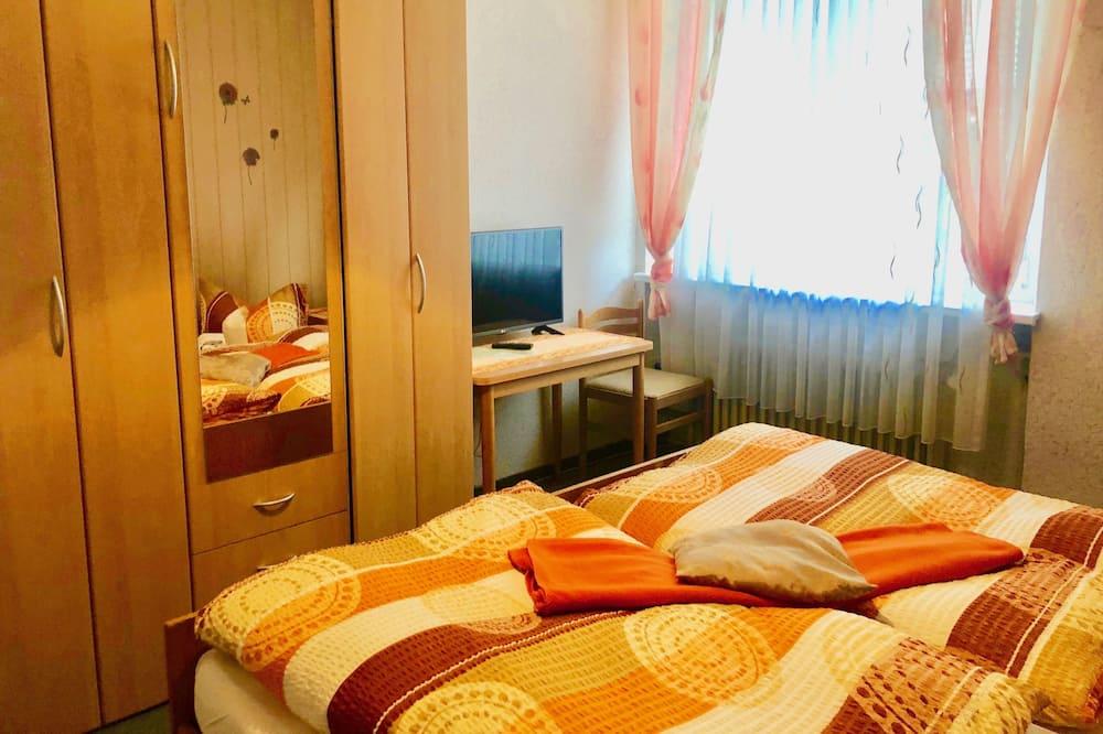 غرفة ثلاثية - بحمام خاص - غرفة نزلاء