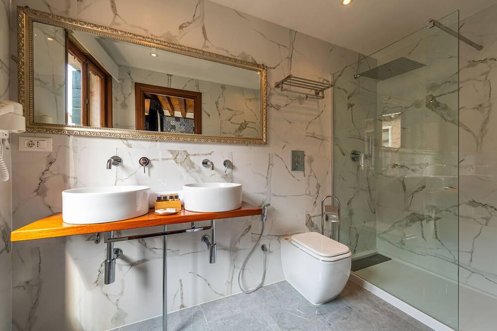 Superior-værelse med dobbeltseng eller 2 enkeltsenge - udsigt til kanal - Badeværelse