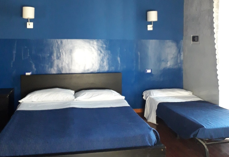 Giolitti Guesthouse, Rome, Quadruple Room, Guest Room