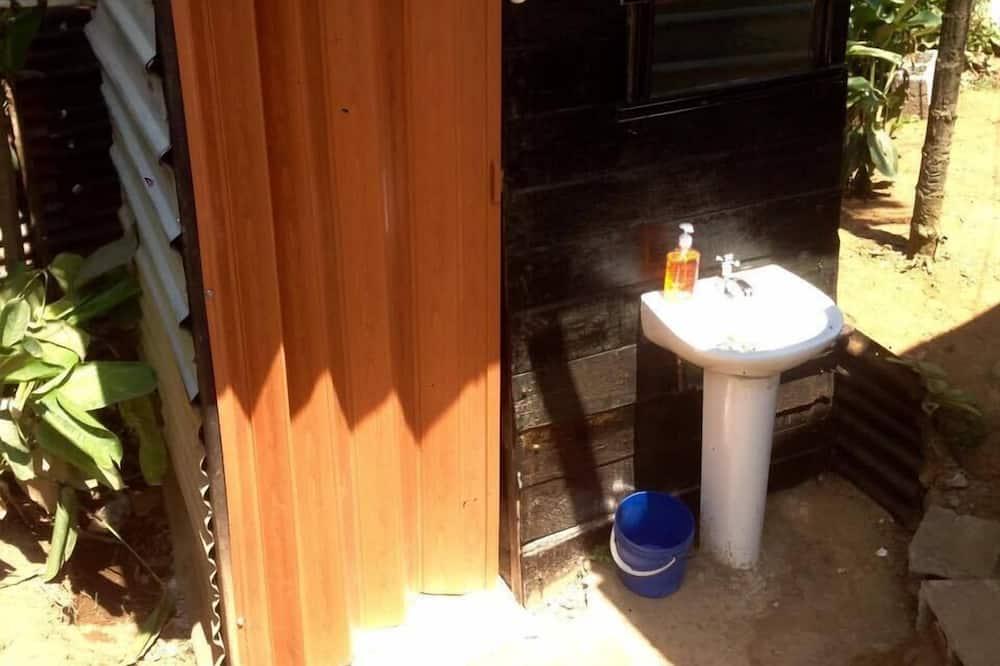 Phòng đôi cơ bản, Quang cảnh sân vườn - Phòng tắm