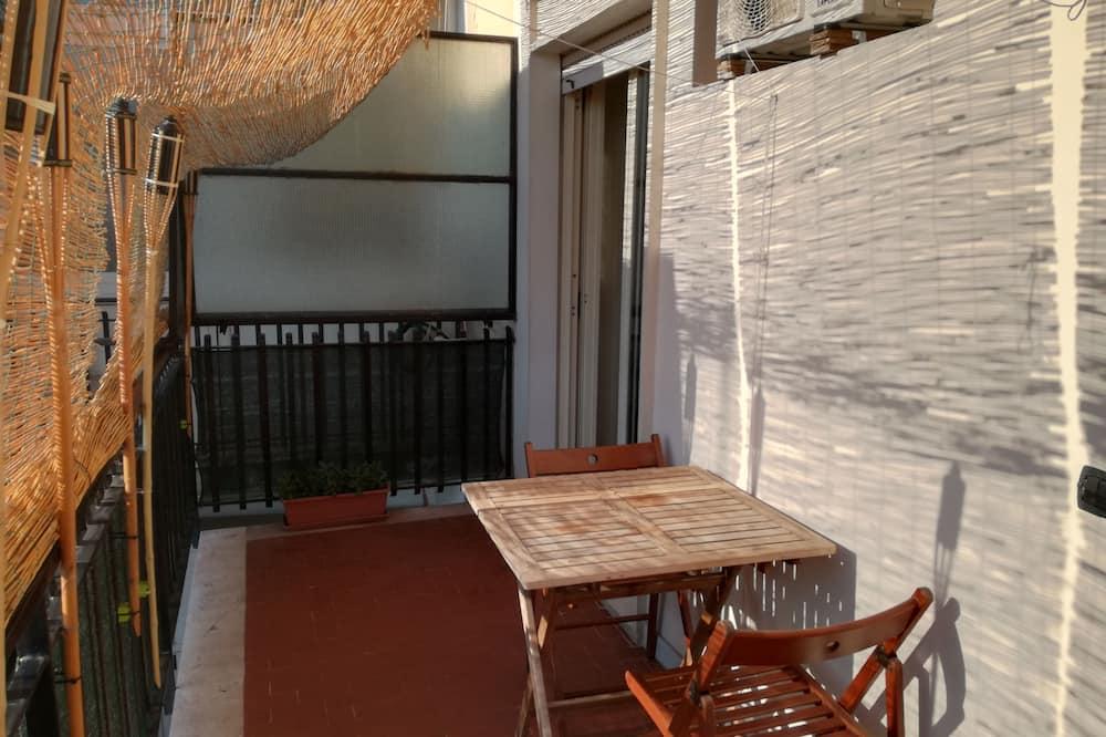 Апартаменты «Делюкс», 1 спальня, вид на внутренний двор - Балкон