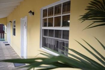Picture of Justinn Apartments in Gros Islet