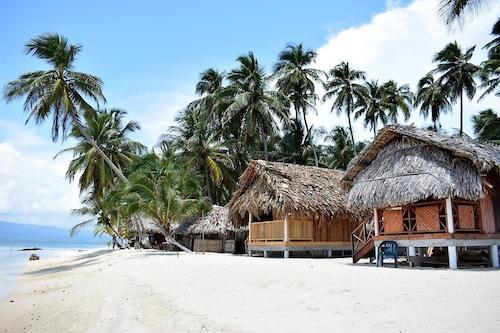 圖巴瑟尼卡島小屋飯店/