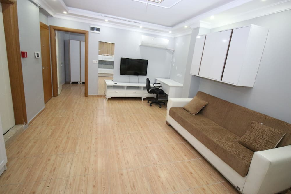 6 Numarali Daire (Room Number 6) - Living Area