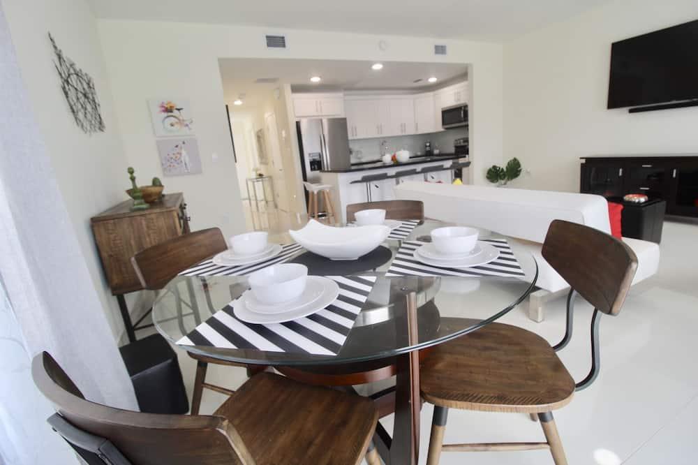 Ház, 4 hálószobával (4 Bathrooms - 26080) - Étkezés a szobában