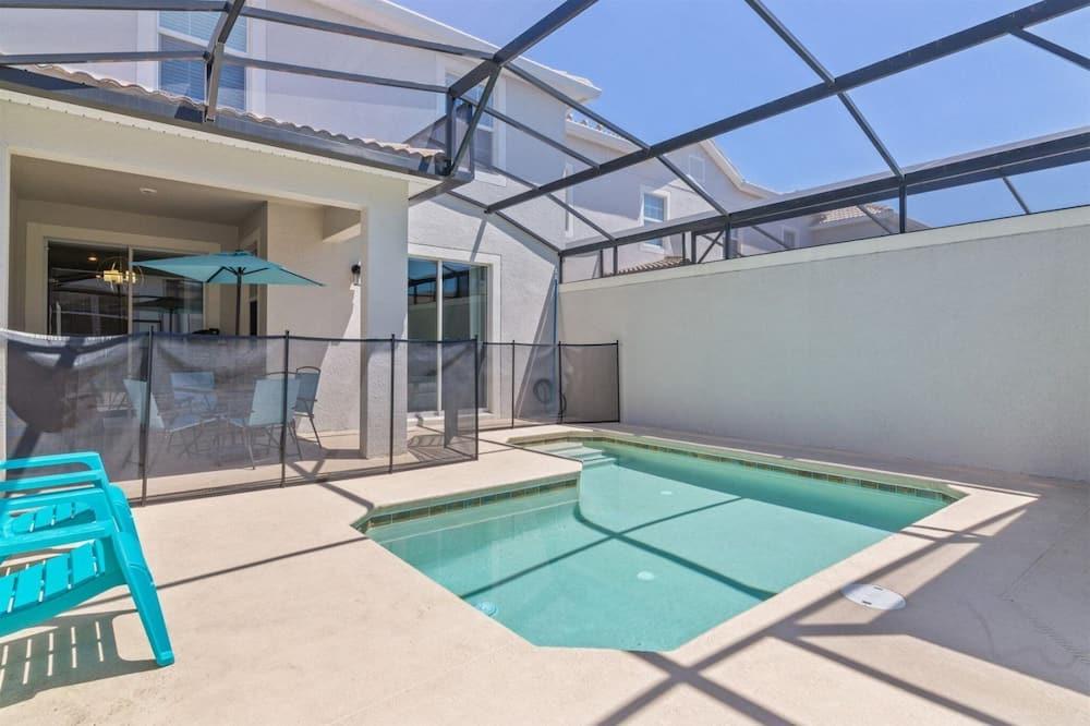 Māja - Iekštelpu baseins