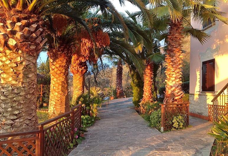 Villa Bardi, Sestri Levante, Terase/iekšējais pagalms