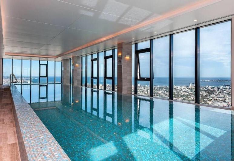 112 46 層天際線景觀飯店 - 近克羅恩, 南岸, 游泳池